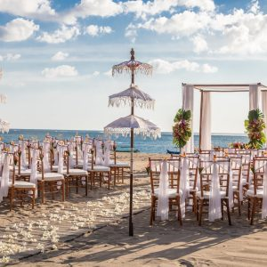 romantic beach wedding majoly