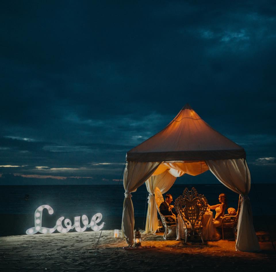 propose on beach bali