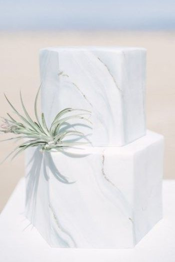 hexagon marbled wedding cake bali