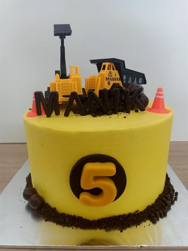 Construction cake by Ririn