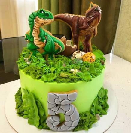 Dinosaur park cake bali