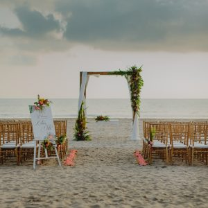 Tropical Ceremony Set