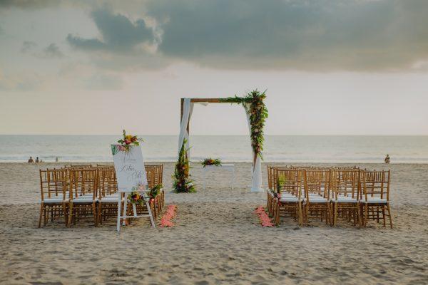 Tropical Ceremony Set